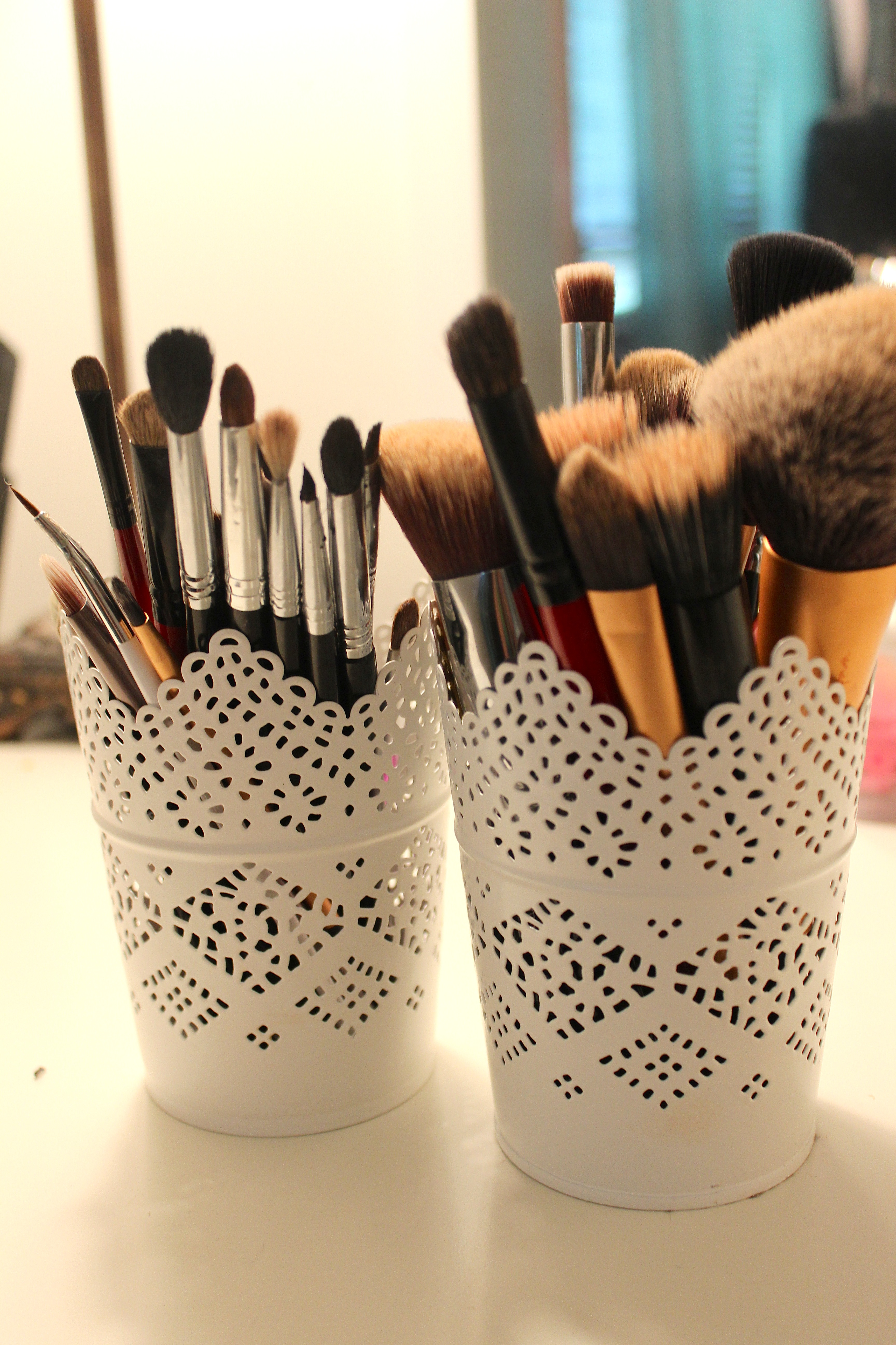 Deep Clean Your Makeup Brushes!