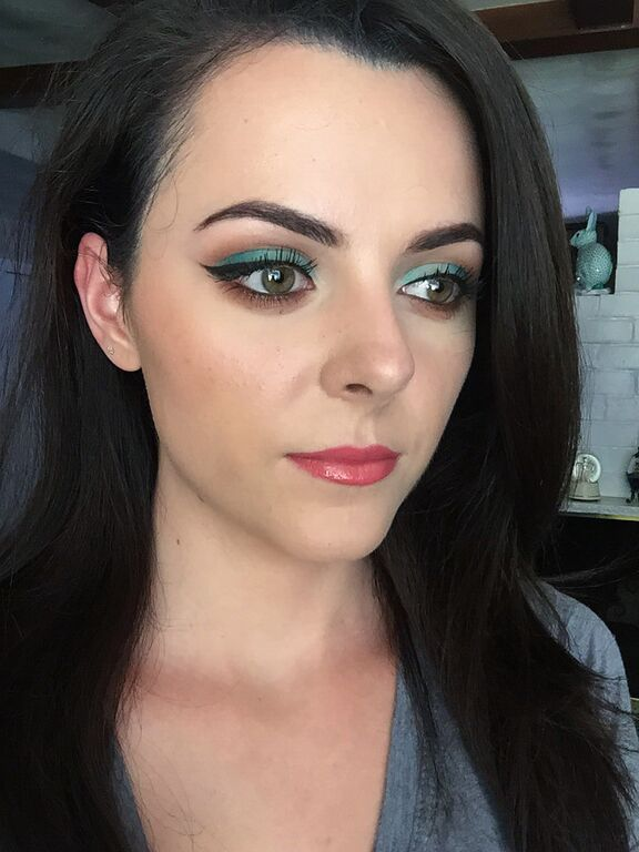MOTD: Teal eyeshadow with a warm crease