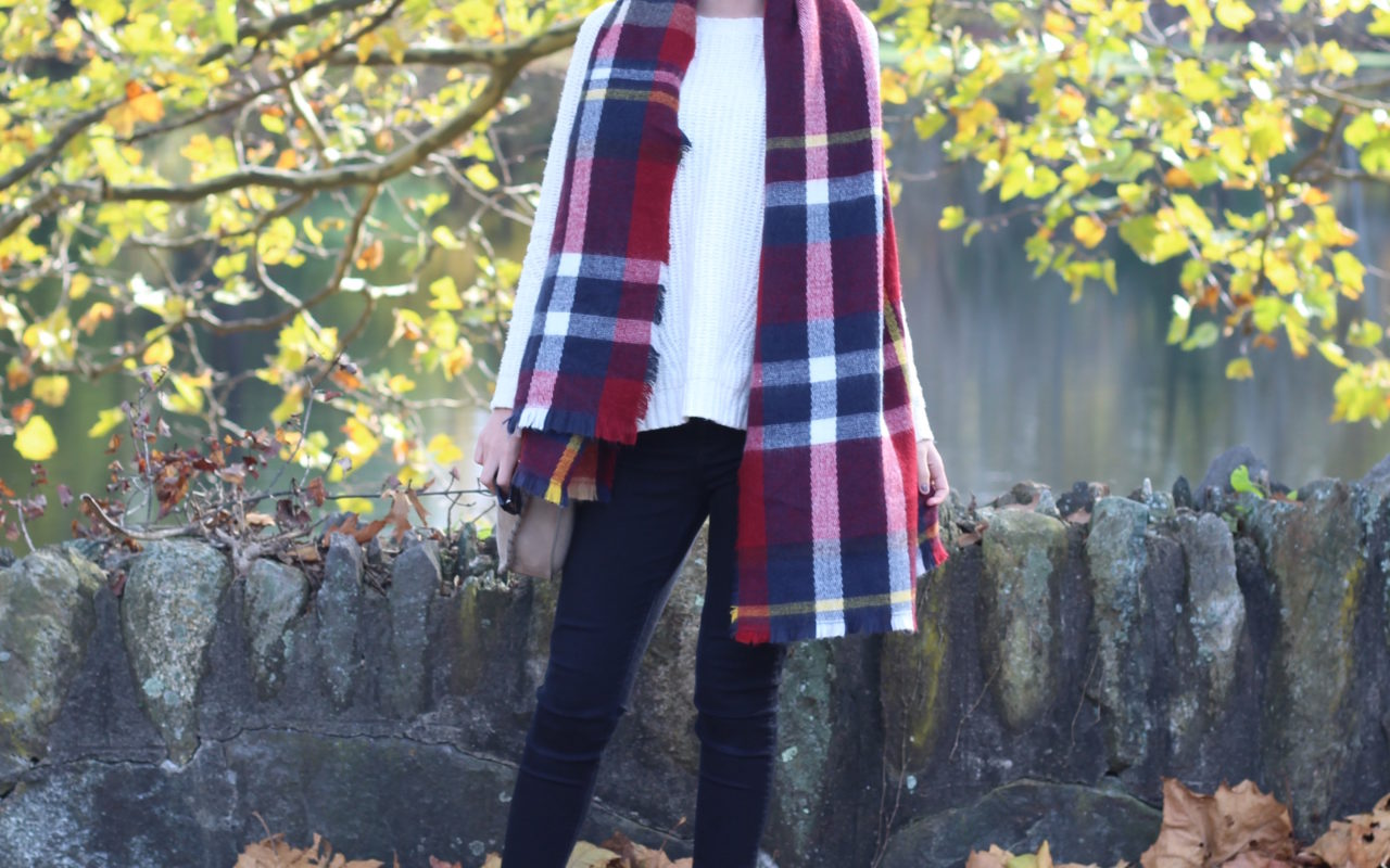 Plaid Scarf + White Sweater : OOTD
