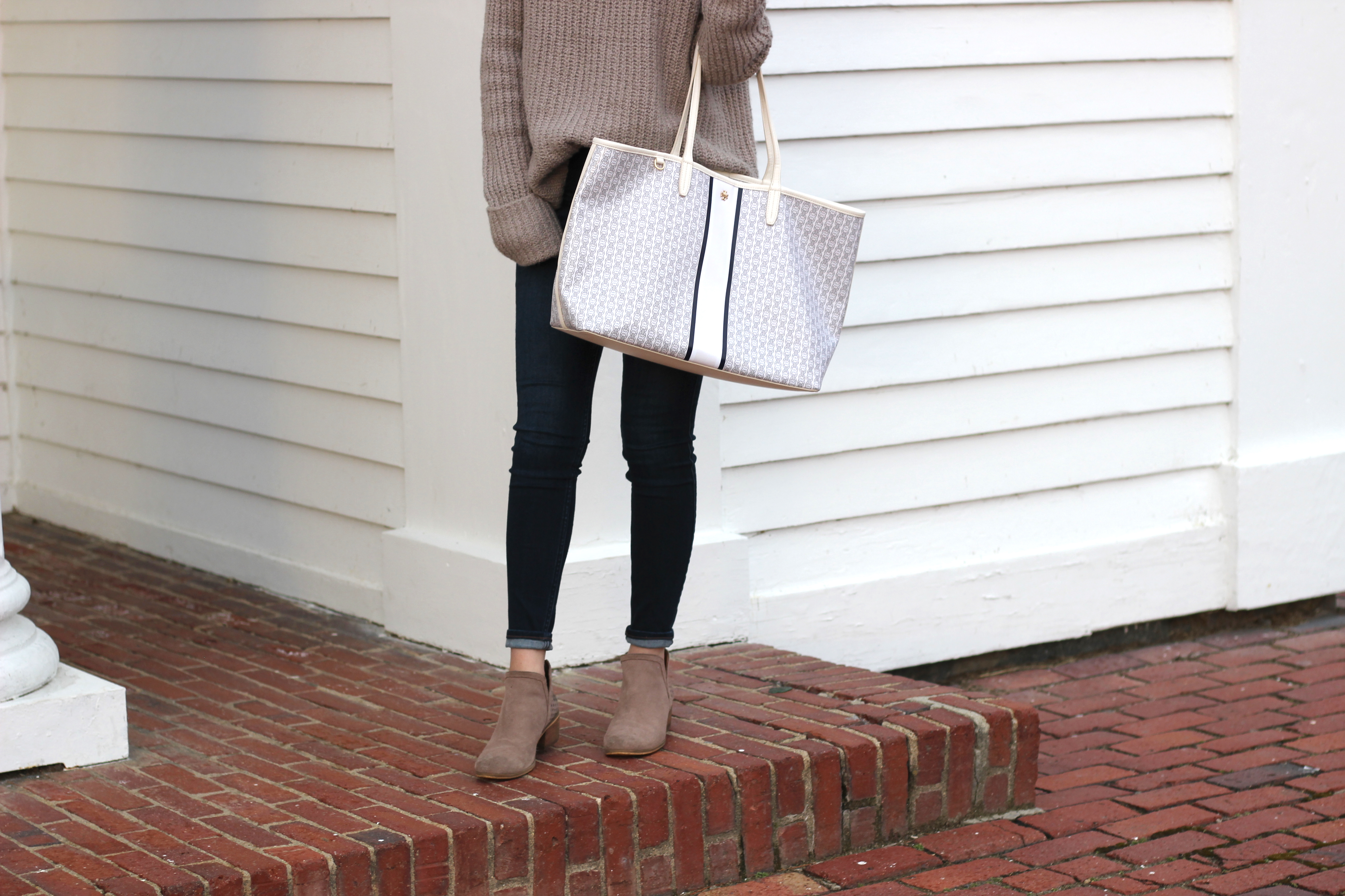 Oversized Turtleneck Sweaters